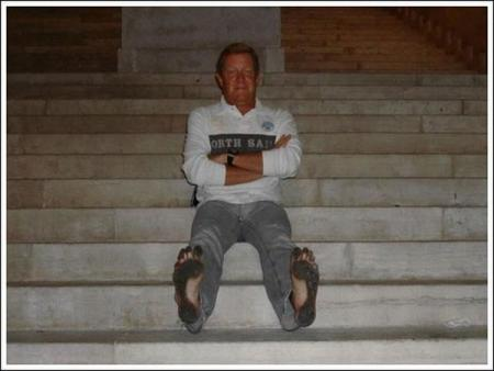 Man with no shoes (22 pics)