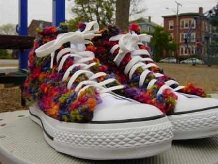 Hand-knitted shoes (7 pics)
