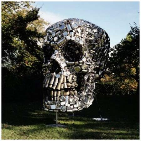Scull sculpture made out of kitchen utensils (6 pics)